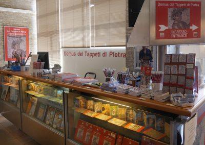 bookshop-tappeti-di-pietra