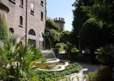 cripta-rasponi-giardino-all-italiana-panoramica