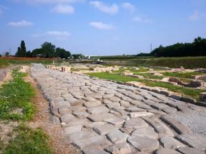 La strada basolata tardoantica antico porto
