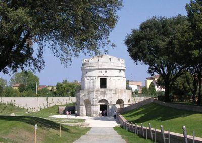 mausoleo-di-teodorico-ravenna-2