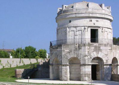 mausoleo-di-teodorico-ravenna-3